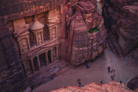 Photo pour Al Khazneh (The Treasury) at Petra, jordan - image libre de droit