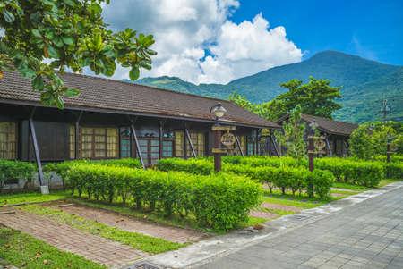 Photo pour ancient dormitory of hualien tourism sugar factory in taiwan - image libre de droit