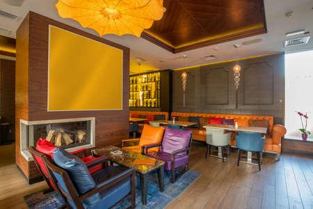 Photo pour Interior of a modern restaurant - image libre de droit