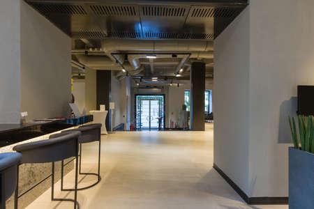 Photo pour Interior of a empty modern hotel lounge cafe - image libre de droit