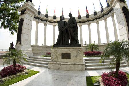 la rotunda statue monument on malecon 2000 guayaquil ecuador