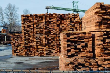 Photo pour Mill producing lumber for construction and packs it for convenient shipment. - image libre de droit
