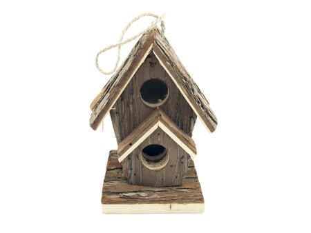 casa del pájaro en el fondo blanco