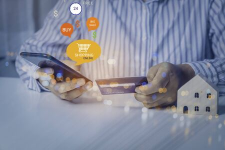 Photo pour Businessman using credit card for shopping payment online on mobile application or website. E-commerce and online shopping concept. - image libre de droit