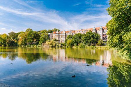 Foto de Szczecin. Kasprowicz city park. A place for walks and relaxation for residents - Imagen libre de derechos