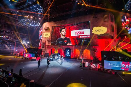 Photo pour MOSCOW, RUSSIA - OCTOBER 27 2018: EPICENTER Counter Strike: Global Offensive esports event. Introduction of the team Hellraisers. Player Issa ISSAA Murad coming to the stage. - image libre de droit