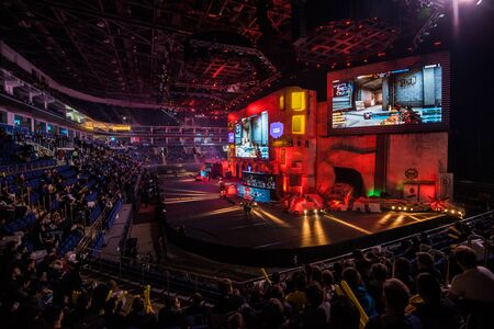 Photo pour MOSCOW, RUSSIA - OCTOBER 27 2018: EPICENTER Counter Strike: Global Offensive esports event. Main stage with a big screen showing the game and tribunes with fans. - image libre de droit