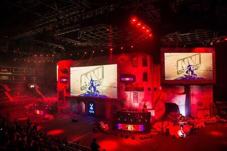 Photo pour MOSCOW, RUSSIA - OCTOBER 27 2018: EPICENTER Counter Strike: Global Offensive esports event. Natus Vincere NaVi team on a main screen. - image libre de droit