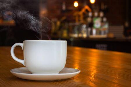 Photo pour coffee cup in the cafe - image libre de droit
