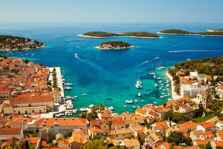 Photo pour Port in Hvar town, Croatia. View from the fortress of Spain - image libre de droit