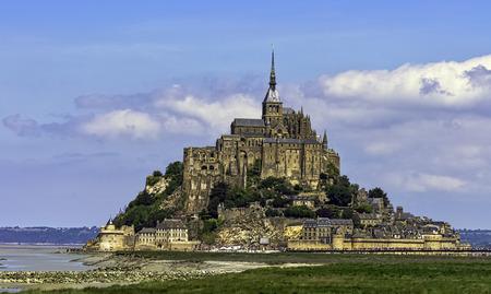 Photo pour Le Mont Saint Michel - Normandy, France - image libre de droit