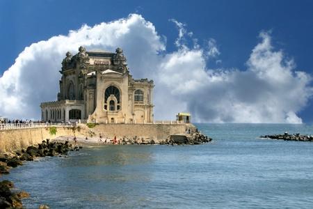 Photo pour The Old casino in Constanta, Romania, on the Black Sea coast  - image libre de droit