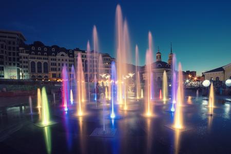 Photo pour Musical colorful fountain - image libre de droit
