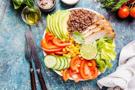 Foto de Healthy salad bowl - Imagen libre de derechos