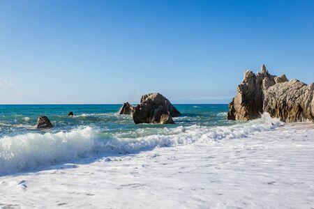 Photo pour Mediterranean seascape, near Tropea - image libre de droit