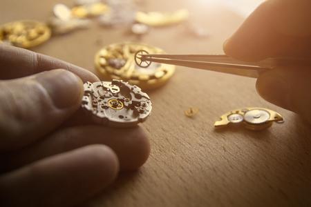 Photo pour The process of repair of mechanical watches - image libre de droit