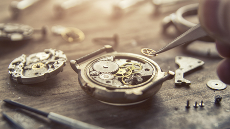 Foto de Mechanical watch, close up, gears, mechanical watch repair - Imagen libre de derechos