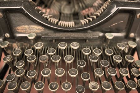 Foto per Close up of a Vintage Typewriter Machine - Immagine Royalty Free