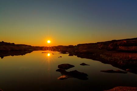 Sunset at the lake in Sam Phan Bok / Grand Canyon of Thailand