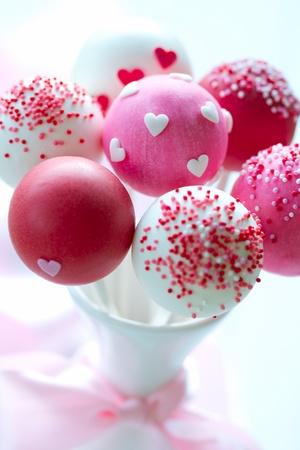 Photo pour Valentine cake pops - image libre de droit
