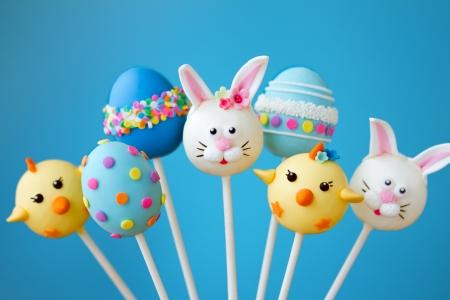 Photo pour Easter cake pops - image libre de droit