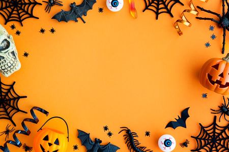 Foto de Collection of Halloween party objects forming a frame - Imagen libre de derechos