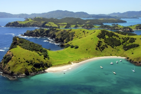 Photo pour Waewaetorea Island - Aerial, Bay of Islands, Northland, New Zealand - image libre de droit
