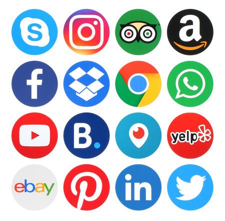 Foto de Kiev, Ukraine - May 31, 2016: Collection of popular circle logos printed on paper:Facebook, Twitter, Instagram, Amazon, LinkedIn, Pinterest, Whatsapp, Ebay and others - Imagen libre de derechos