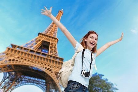 Photo pour Happy carefree travel woman in Paris with Eiffel Tower, caucasian beauty - image libre de droit
