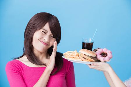 Photo pour woman with body unhealthy concept on the blue background - image libre de droit