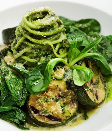 Green Spaghetti with Zuchinni, Fresh Spinach and Pesto Sauce
