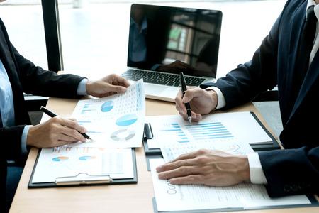La valoración de empresas por múltiplos es un método utilizado en la valoración de compañías que ayuda a calcular el valor objetivo de una empresa.