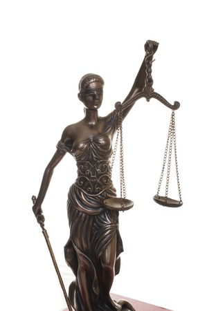 Photo pour Statue of justice isolated on the white background - image libre de droit