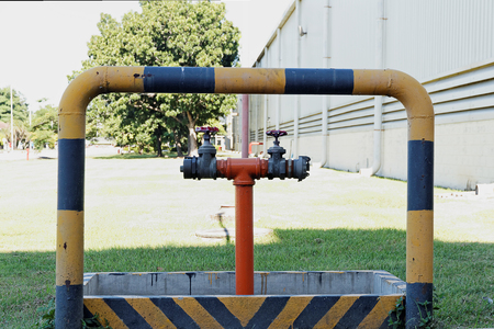 Pipes oil to tanks