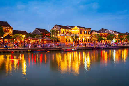 Foto de Fishing boats at the riverfront of Hoi An ancient town in Quang Nam Province of Vietnam - Imagen libre de derechos