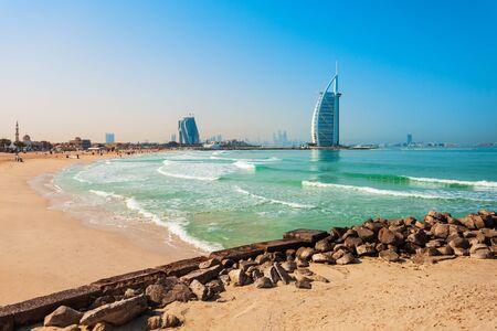 Photo pour Burj Al Arab luxury hotel and Jumeirah public beach in Dubai city in UAE - image libre de droit
