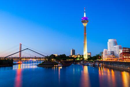 Foto für Rheinturm and Media Harbour district in Dusseldorf city in Germany - Lizenzfreies Bild