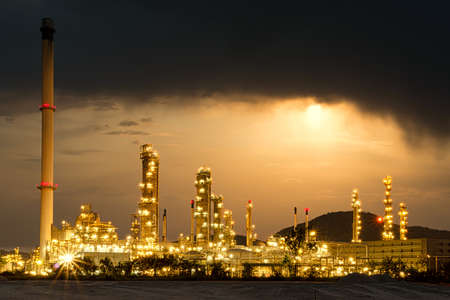 Foto für Beautiful of oil and gas refinery power petrochemical plant factory shined at night - Lizenzfreies Bild