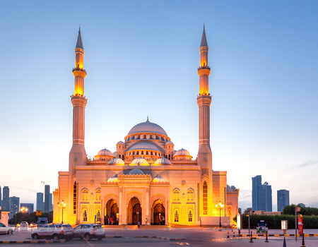 he Al Noor Mosque is a mosque in Sharjah. It is located on the Khaled lagoon at the Buhaira Corniche. It is of Turkish Ottoman design and was influenced by the Sultan Ahmed Mosque in Turkey.