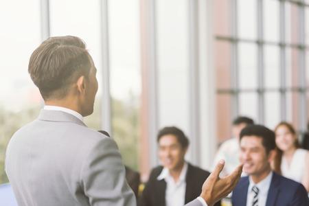 Photo pour Businessman presentation in a conference meeting room - image libre de droit