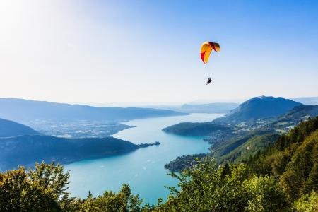 Photo pour View of the Annecy lake from  Col du Forclaz - image libre de droit