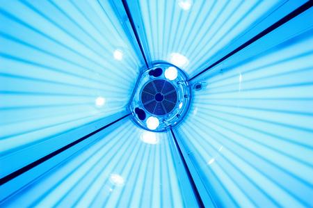 Photo pour Solarium tanning bed, view from inside - image libre de droit