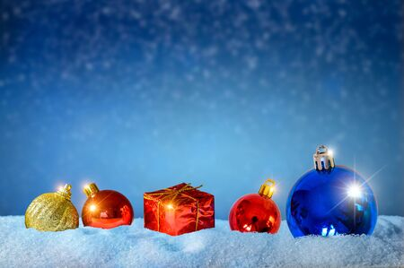 Photo pour Merry christmas and happy new year greeting background. Christmas Lantern On Snow With Fir - image libre de droit