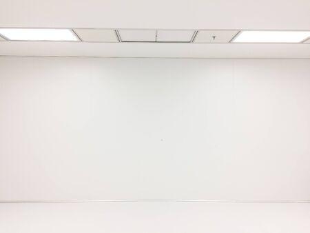 Foto de Inside Clean room class at factory, empty room - Imagen libre de derechos