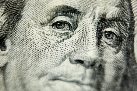 Foto de Macro close up of the US 100 dollar bill. Extreme macro. Shallow dof - Imagen libre de derechos
