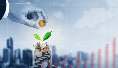 Photo pour Business investment, saving money and business growth - image libre de droit