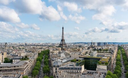 Photo pour Paris city in France with Eiffel tower iconic and symbol of France in summer - image libre de droit