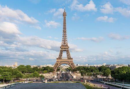 Photo pour Eiffel tower, famous landmark and travel destination in France, Paris - image libre de droit