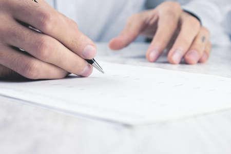 Photo pour business concept documents on the desktop - image libre de droit