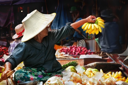 Thai woman at the Damnoen Saduak Floating Market, Thailand
